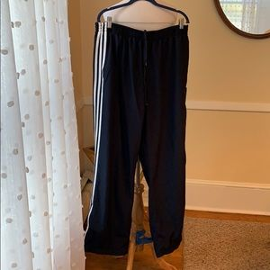 Adidas 2XL Men's Mesh Lined a Wind Pants in EUC